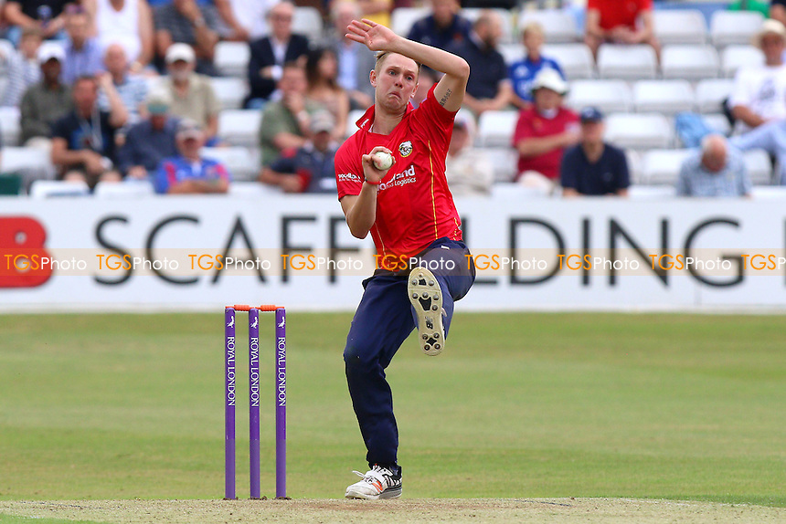 Jamie Porter in bowling action for Essex during Essex Eagles vs Glamorgan, Royal London One-Day Cup Cricket at the Essex County Ground on 26th July 2016