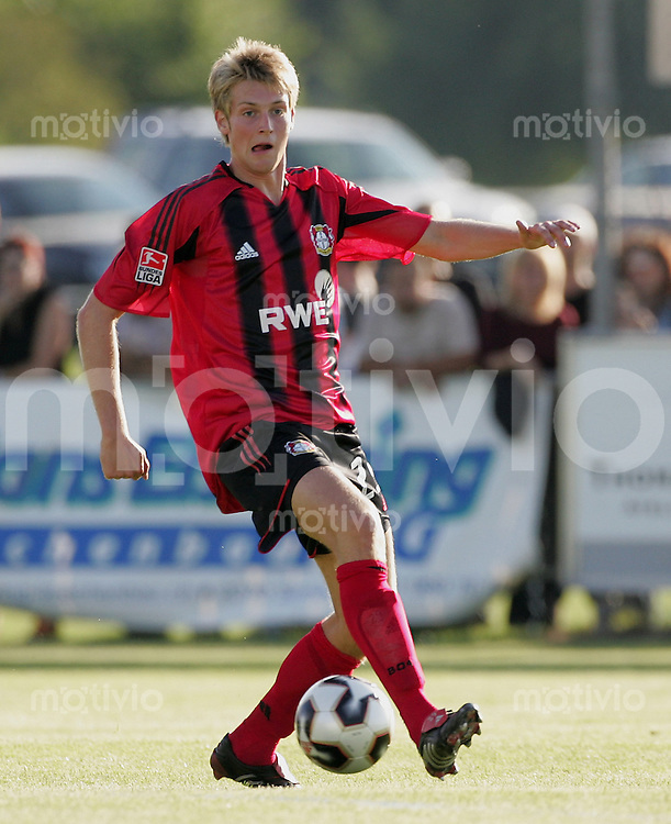 Fussball International Testspiel FC Wil - Bayer Leverkusen Jan - Ingwer Callsen - Backer (Bayer) am Ball