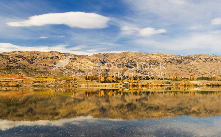 Dunstan Lake near Cromwell. Central Otago. Autumn reflections