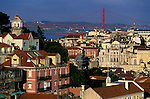 Europe; Portugal; Lisbonne; vue générale et pont du 25 avril//Europe; Portugal; Lisbon; general view and 25th april bridge