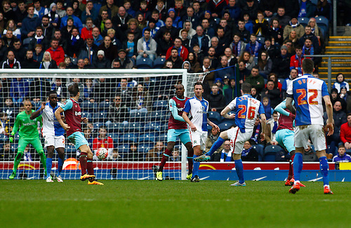 21.02.2016. Ewood Park, Blackburn, England. Emirates FA Cup 5th Round. Blackburn Rovers versus West Ham United. Blackburn Rovers midfielder Darragh Lenihan fires in a shot from the edge of the area as his side chase the game.