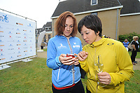 SCHAATSEN: ERMELO: 21-05-2014 Team Continu Perspresentatie, Karolína Erbanová (CZE), Nao Kodaira (JAP) ©foto Martin de Jong