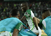 MEDELLÍN -COLOMBIA - 18-06-2017: Rodin Quiñones de Atlético Nacional celebra después de anotar el cuarto gol de su equipo a Deportivo Cali durante partido de vuelta por la final de la Liga Águila I 2017 jugado en el estadio Atanasio Girardot de la ciudad de Medellín. / Rodin Quiñones player of Atletico Nacional celebrates after scoring the fifth goal of his team to Deportivo Cali during second leg match for the final of the Aguila League I 2017 at Atanasio Girardot stadium in Medellin city. Photo: VizzorImage/ Gabriel Aponte / Staff