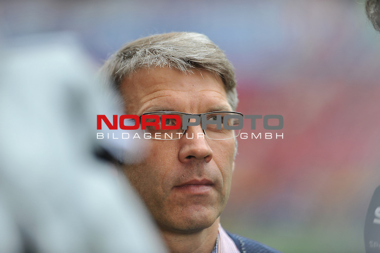 03.05.2015, cofacearena, Mainz, GER, FSV Mainz 05 vs. Hamburger SV, im Bild:  Peter Knaebel (Direktor Profifussball, Hamburger SV)<br /> <br /> <br /> Foto &copy; nordphoto / Fabisch
