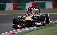 SUZUKA, JAPAO, 12.10.2013 - F1 - GP DO JAPAO - TREINO LIVRE - Mark Webber da Red Bull durante treino classificatorio para o Grande Premio do Japao em Suzuka no Japao neste sabado, 12. (Foto: Pixathlon / Brazil Photo Press).