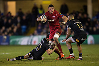 Scarlets&rsquo; Aaron Shingler in action during todays match<br /> <br /> Photographer Bob Bradford/CameraSport<br /> <br /> European Champions Cup Round 5 - Bath Rugby v Scarlets - Friday 12th January 2018 - The Recreation Ground - Bath<br /> <br /> World Copyright &copy; 2018 CameraSport. All rights reserved. 43 Linden Ave. Countesthorpe. Leicester. England. LE8 5PG - Tel: +44 (0) 116 277 4147 - admin@camerasport.com - www.camerasport.com