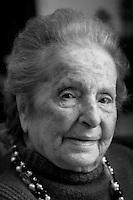Carla Porta Musa,poetessa e  scrittrice, è nata a Como nel Marzo 1902.