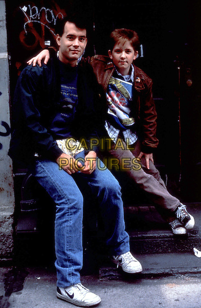 TOM HANKS & JARED RUSHTON.in Big (1988).*Filmstill - Editorial Use Only*.CAP/STF/KHE.Supplied by Capital Pictures.
