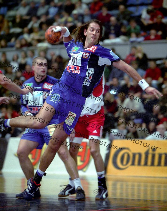 RUKOMET&amp;#xA;SRBIJA-DANSKA&amp;#xA;Mladen Bojinovic&amp;#xA;Beograd, 2003&amp;#xA;foto: Srdjan Stevanovic<br />