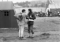 - terremoto in Irpinia, tre settimane dopo  (dicembre 1980), giovani volontari<br /> <br /> - earthquake in Irpinia, three weeks after (December1980), young volunteers