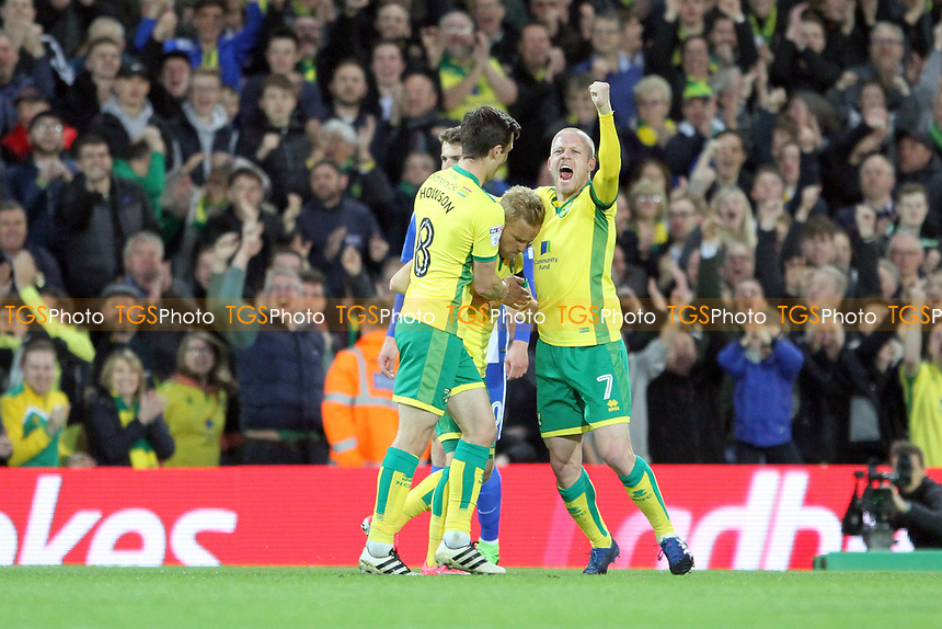 Norwich celebrate the first goal of the game during Norwich City vs Brighton & Hove Albion, Sky Bet EFL Championship Football at Carrow Road on 21st April 2017