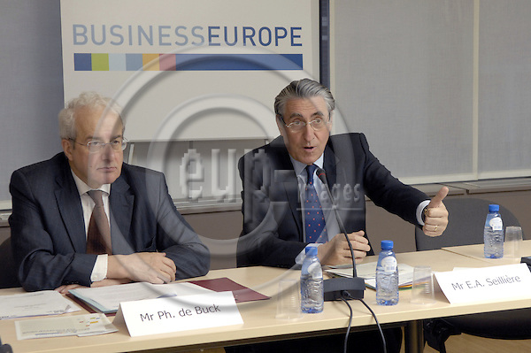 Brussels-Belgium - 23 January 2007---UNICE, the Confederation of European Business, changes its name into BUSINESSEUROPE; here, presentation of the new name and logo during a pressconference with Secretary-General Philippe DE BUCK (le), and President Ernest-Antoine SEILLIÈRE (Seilliere) (ri)----Photo: Horst Wagner/eup-images