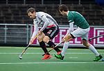AMSTELVEEN -  Mirco Pruyser (Adam)  met Hidde Turkstra van R'dam   tijdens de hoofdklasse competitiewedstrijd heren, AMSTERDAM-ROTTERDAM (2-2). . COPYRIGHT KOEN SUYK