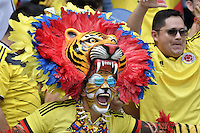 BARRANQUILLA - COLOMBIA - 11-10-2016:  Hinchas de Colombia animan a su equipo durante partido entre Colombia y Uruguay por la fecha 10 de la clasificatoria a la Copa Mundial de la FIFA Rusia 2018 jugado en el estadio Metropolitano Roberto Melendez en Barranquilla./ Fans of Colombia cheer for their team during the match between Colombia and Uruguay for the date 10 of the qualifier to FIFA World Cup Russia 2018 played at Metropolitan stadium Roberto Melendez in Barranquilla. Photo: VizzorImage/ Gabriel Aponte / Staff