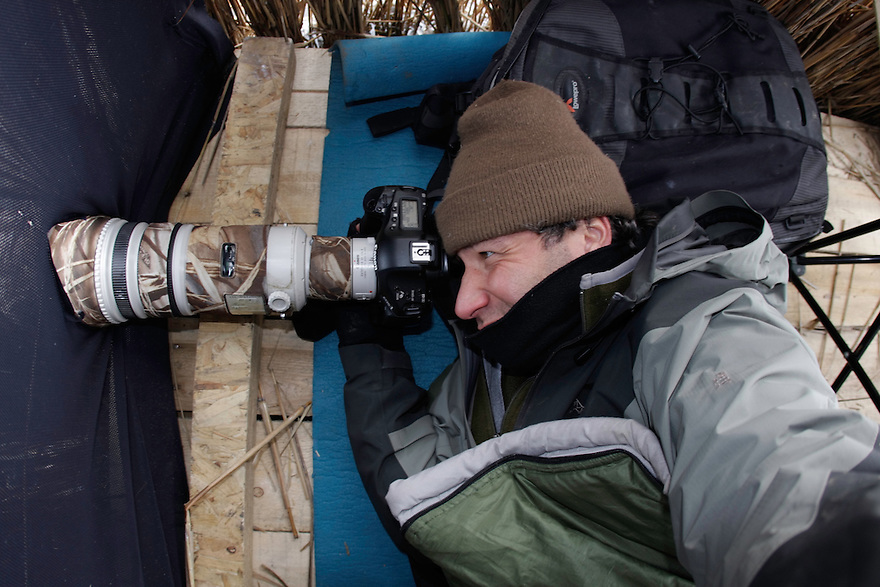 Manuel Presti while photographing Red-Breasted Geese at Durankulak Lake, Bulgaria. February 2009 <br /> Mission: Red-Breasted Goose