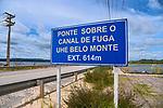 Ponte sobre o canal de fuga, BR 230 Rodovia Transamazonica. Usina Hidreletrica de Belo Monte, no rio Xingu, Vitoria do Xingu, Para. 2017. Foto de Luciana Whitaker.