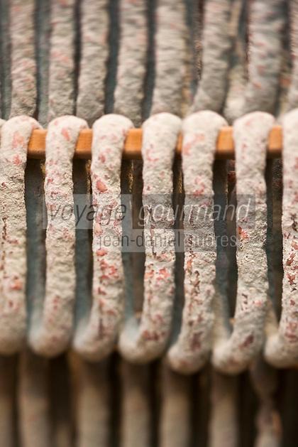 Europe/France/Midi-Pyrénées/12/Aveyron/Aubrac/Laguiole: : Saucisse sèche de la Maison Conquet -  Lucien Conquet Boucher Charcutier