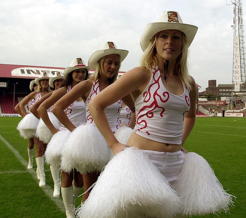 Photo: Richard Lane..London Broncos v Huddersfield Giants. Tetleys Super League. 21/09/2003..Broncos cowgirls.