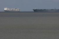 Navi de gado aguarda autorização para atracar no porto de Vila do CondeFoto Paulo Santos<br /> Porto de Vila do  Conde, Barcarena, Pará, Brasil.<br /> 08/10/2013