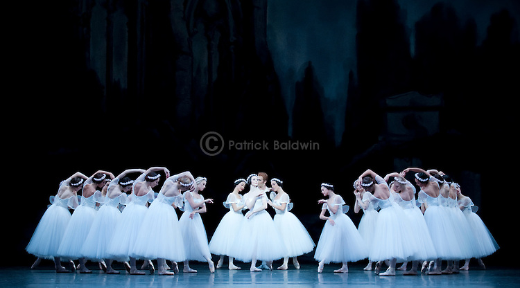 The Royal Ballet. Les Sylphides.