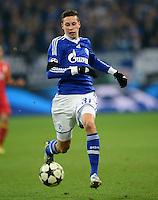 FUSSBALL  CHAMPIONS LEAGUE  ACHTELFINALE  Rueckspiel  2012/2013      FC Schalke 04 - Galatasaray Istanbul                   12.03.2013 Julian Draxler (FC Schalke 04) am Ball