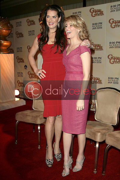 Brooke Shields and Elizabeth Banks <br /> at the 66th Annual Golden Globe Awards Nomination Announcement Press Conference. Beverly Hilton Hotel, Beverly Hills, CA. 12-11-08<br /> Dave Edwards/DailyCeleb.com 818-249-4998
