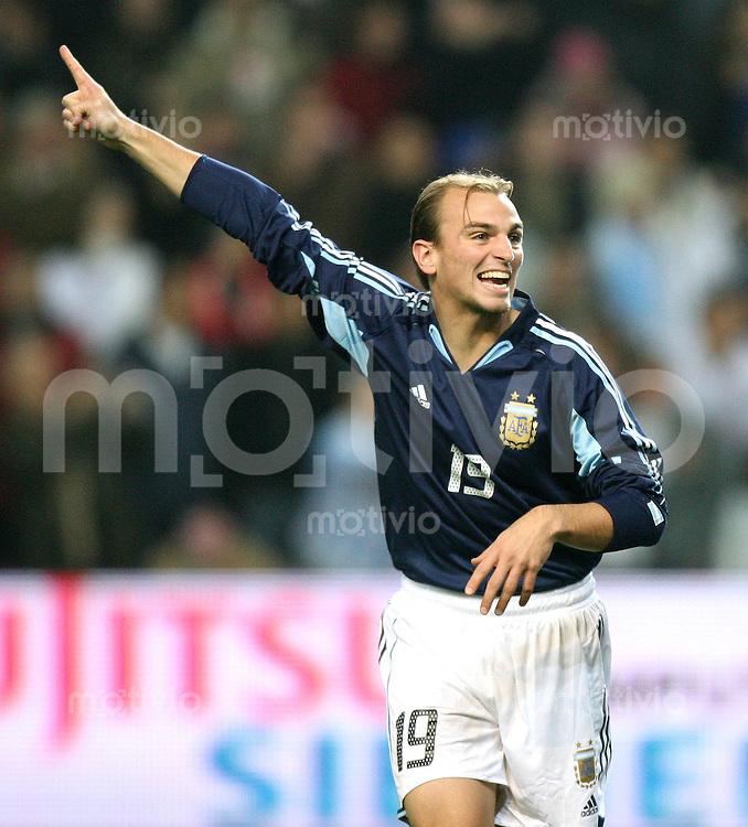 Fussball International Testspiel England 3-2 Argentinien JUBEL, Esteban Cambiasso (ARG)