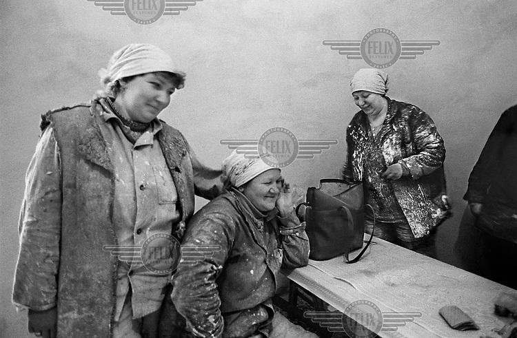 Female decorators of the Sagan Brigade take a lunch break.