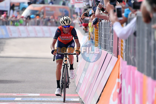 Vincenzo Nibali (ITA) Bahrain-Meroda finishes 5th on Stage 9 of the 100th edition of the Giro d'Italia 2017, running 149km from Montenero di Bisaccia to Blockhaus, Italy. 14th May 2017.<br /> Picture: LaPresse/Gian Mattia D'Alberto | Cyclefile<br /> <br /> <br /> All photos usage must carry mandatory copyright credit (&copy; Cyclefile | LaPresse/Gian Mattia D'Alberto)