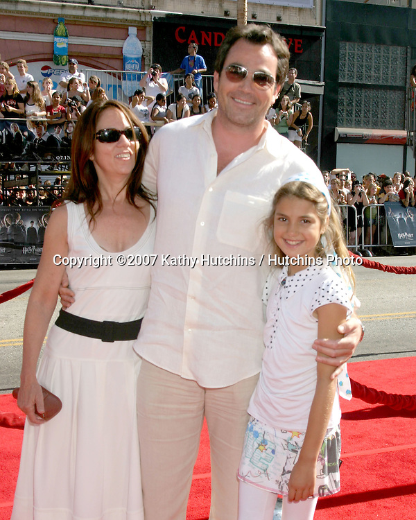 """Jon Tenney and daughter Emmerson Tenney (Mother is Teri Hatcher) and his date.U.S. Premiere of """"Harry Potter and the Order of the Phoenix"""".Grauman's Chinese Theater.Los Angeles, CA.July 8, 2007.©2007 Kathy Hutchins / Hutchins Photo..."""