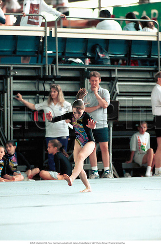 GIRL'S GYMNASTICS, Floor Exercise, London Youth Games, Crystal Palace, 9407. Photo: Richard Francis/Action Plus...1994.children's sport.gymnastic.child.children.kids.girl.girls.infant.infants.Youngster.Youngsters.childrens sport.children's sport.gymnast.female