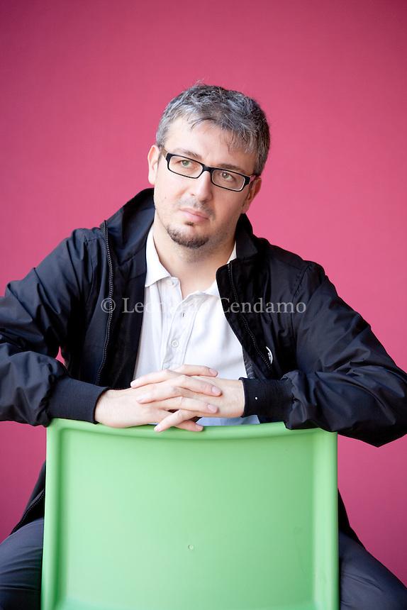Cristian Frascella, italian writer. Mantova, 2011.  © Leonardo Cendamo