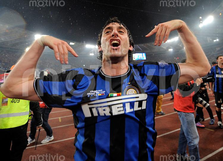 FUSSBALL INTERNATIONAL   SERIE A   SAISON 2009/2010    FINALE COPPA Italia Inter Mailand - AS Rom      05.05.2010 JUBEL Diego Milito  (Inter)
