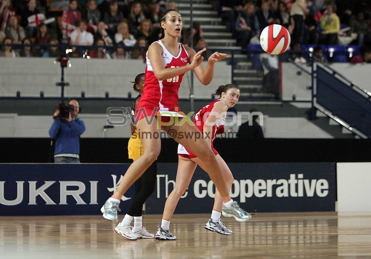 PICTURE BY Ben Duffy/SWPIX.COM - Netball - The Co-Operative International Series - England v Jamaica, Second Test - The Skydome arena, Coventry, England - 24/02/09...Copyright - Simon Wilkinson - 07811267706...England's Geva Mentor