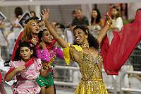 SAO PAULO, SP, 24 DE FEVEREIRO 2012 - CARNAVAL SP DESFILE CAMPEAS - VAI - VAI  - Adriana Lessa Integrante da escola de samba Nene de Vai -Vai durante desfile das campeãs  do Carnaval 2012 de São Paulo, no Sambódromo do Anhembi, na zona norte da cidade, (FOTO: ALE VIANNA - BRAZIL PHOTO PRESS)
