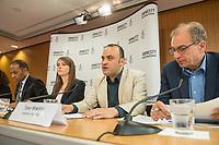Pressegespraech zur Verleihung des 9. Amnesty Menschenrechtspreises am 16. April 2018 in Berlin.<br /> Amnesty International vergibt den Menschenrechtspreis 2018 an das Nadeem-Zentrum in Kairo als ein Zeichen gegen Folter in Aegypten.<br /> Stellvertretend fuer das Nadeem-Zentrum nahm der aegyptische Arzt und Menschenrechtsaktivist Taher Mukhtar entgegen, da die Betreiber des Zentrums nicht aus Aegypten ausreisen duerfen.<br /> Im Bild vlnr.: Markus N. Beeko, Generalsekretaer von Amnesty International in Deutschland; Sara Fremberg, Pressesprecherin Amnesty International Deutschland; Taher Mukhtar, aegyptischer Arzt und Menschenrechtsaktivist &ndash; er nimmt den Amnesty-Menschenrechtspreis stellvertretend fuer das Nadeem-Zentrum entgegen; Dolmetscher.<br /> 16.4.2018, Berlin<br /> Copyright: Christian-Ditsch.de<br /> [Inhaltsveraendernde Manipulation des Fotos nur nach ausdruecklicher Genehmigung des Fotografen. Vereinbarungen ueber Abtretung von Persoenlichkeitsrechten/Model Release der abgebildeten Person/Personen liegen nicht vor. NO MODEL RELEASE! Nur fuer Redaktionelle Zwecke. Don't publish without copyright Christian-Ditsch.de, Veroeffentlichung nur mit Fotografennennung, sowie gegen Honorar, MwSt. und Beleg. Konto: I N G - D i B a, IBAN DE58500105175400192269, BIC INGDDEFFXXX, Kontakt: post@christian-ditsch.de<br /> Bei der Bearbeitung der Dateiinformationen darf die Urheberkennzeichnung in den EXIF- und  IPTC-Daten nicht entfernt werden, diese sind in digitalen Medien nach &sect;95c UrhG rechtlich geschuetzt. Der Urhebervermerk wird gemaess &sect;13 UrhG verlangt.]