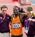 Engeland, London, 8 augustus 2012.Olympische Spelen London.Atletiek Gregory Sedoc van Nederland moet opgeven op de 110m horden