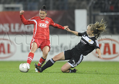 02.11.2011. Potsdam, Germany.  Anja Lunch left P and Eilish McSorley Right GL 1 FFC Turbine Potsdam versus Glasgow City LFC GL Football UEFA Women Champions League Season 2011 2012 Potsdam  . Mandatory Credit: Actionplus