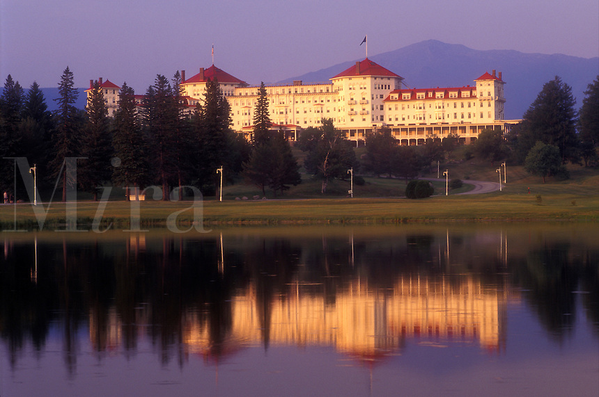 AJ1447, resort, Bretton Woods, New Hampshire, White Mountains Region, Historic Mount Washington Hotel reflects in the pond in Bretton Woods, New Hampshire.