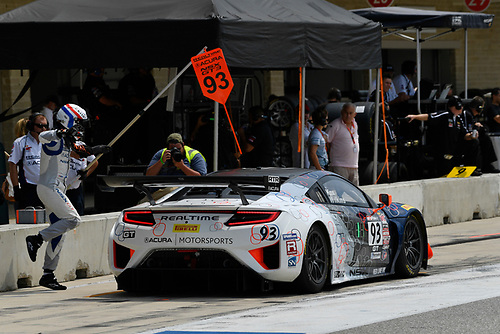 Pirelli World Challenge<br /> Grand Prix of Texas<br /> Circuit of The Americas, Austin, TX USA<br /> Sunday 3 September 2017<br /> Peter Kox/ Mark Wilkins pit stop<br /> World Copyright: Richard Dole/LAT Images<br /> ref: Digital Image RD_COTA_PWC_17285