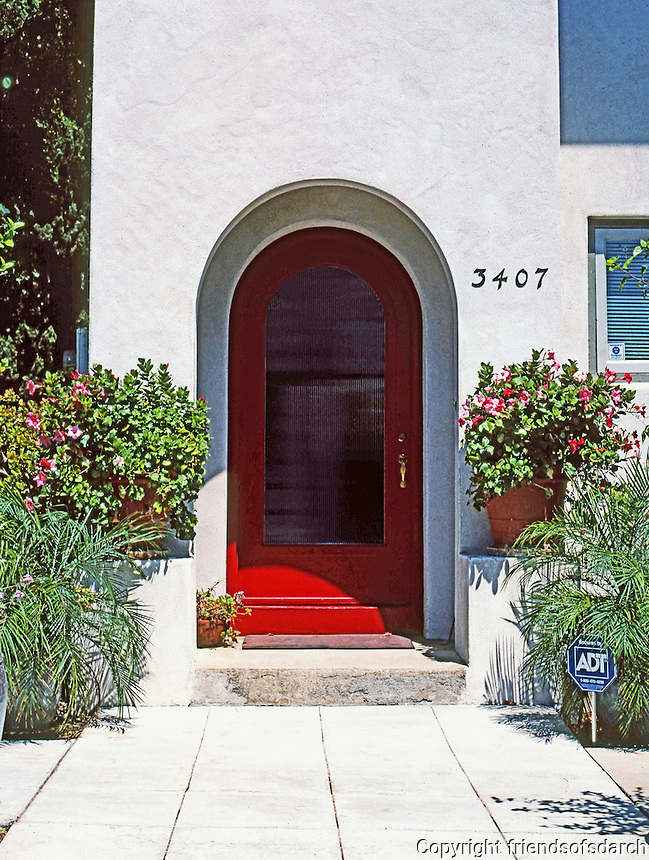 Irving Gill: Teats Cottage #3. 1912. Doorway. Photo 2000.