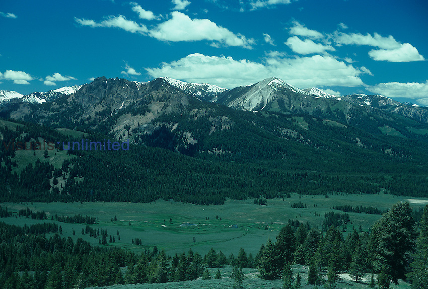 Sawtooth Mountains, Idaho, USA. Note the vegetation zones from the valley meadows through the coniferous forest, to timberline and alpine tundra.