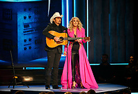 NASHVILLE, TN - NOVEMBER 14: Brad Paisley and Carrie Underwood appear on the 52nd Annual CMA Awards at the Bridgestone Arena on November 14, 2018 in Nashville, Tennessee. (Photo by Frederick Breedon/PictureGroup)