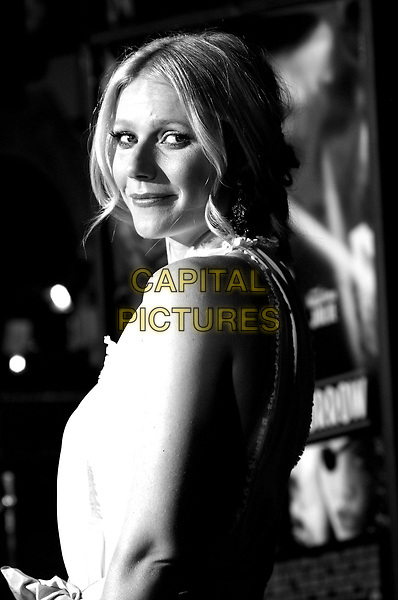 "GWYNETH PALTROW.Paramount Pictures World Premiere of ""Sky Captain and the World of Tomorrow"" held at The Mann's Chinese Theatre in Hollywood, California .September 14th, 2004.headshot, portrait.www.capitalpictures.com.sales@capitalpictures.com. Copyright 2004 by Eastman"