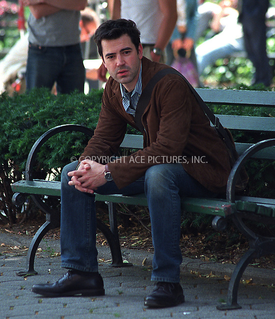 "Ron Livingston from ""Band of Brothers"" makes a guest appearance in HBO's superhit series, ""Sex and the City."" New York, June 10, 2002. Please byline: Alecsey Boldeskul/NY Photo Press.   ..*PAY-PER-USE*      ....NY Photo Press:  ..phone (646) 267-6913;   ..e-mail: info@nyphotopress.com"