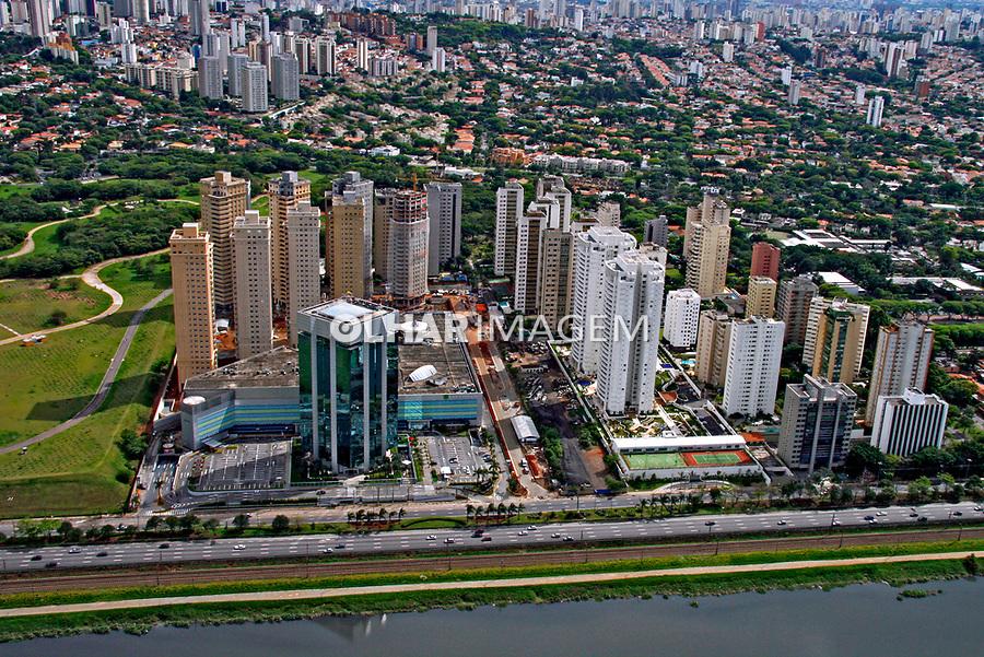 Shopping Villa Lobos. São Paulo. 2007. foto de Flávio Bacellar.