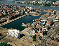 Augustus 1999. Willem- en Bonapartedok in Antwerpen.