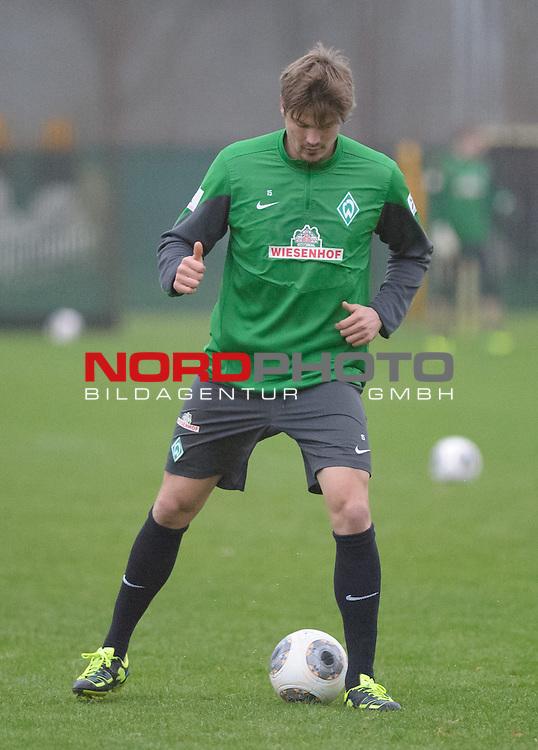 10.12.2013, Trainingsgelaende, Bremen, GER, 1.FBL, Training Werder Bremen, im Bild Sebastian Pr&ouml;dl / Proedl (Bremen #15)<br /> <br /> Foto &copy; nordphoto / Frisch