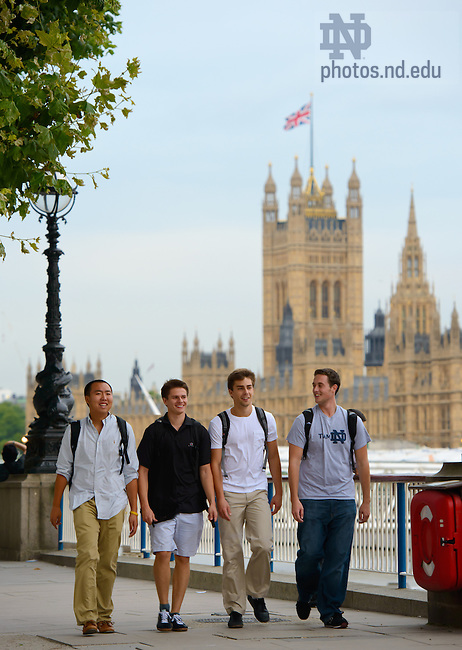 Sept. 4, 2012; London Undergraduate Programme students walk on the South Bank...Photo by Matt Cashore/University of Notre Dame