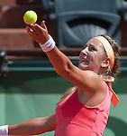 Victoria Azarenka (BLR) defeats Dinah Pfizenmaier (GER 6-1, 6-1
